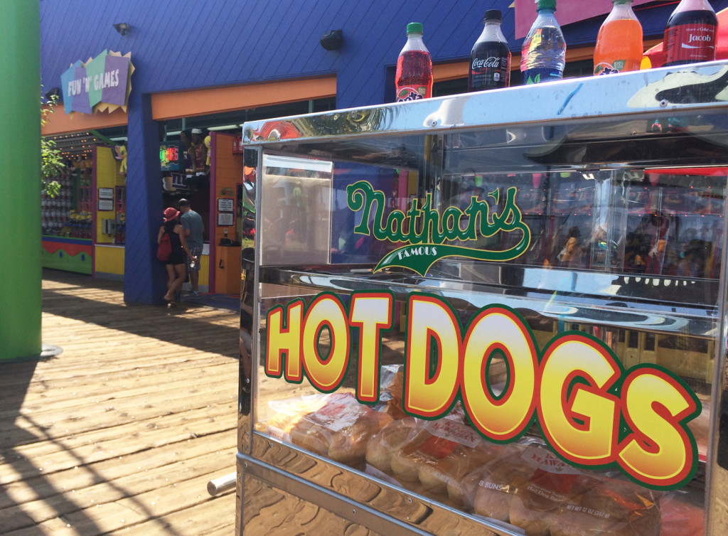 pacific-park-hot-dogs