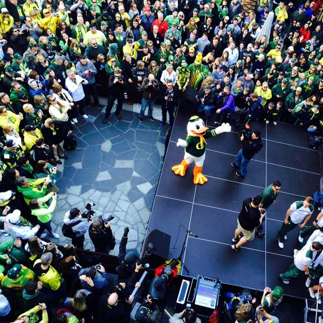Oregon Pep Rally at Santa Monica Place