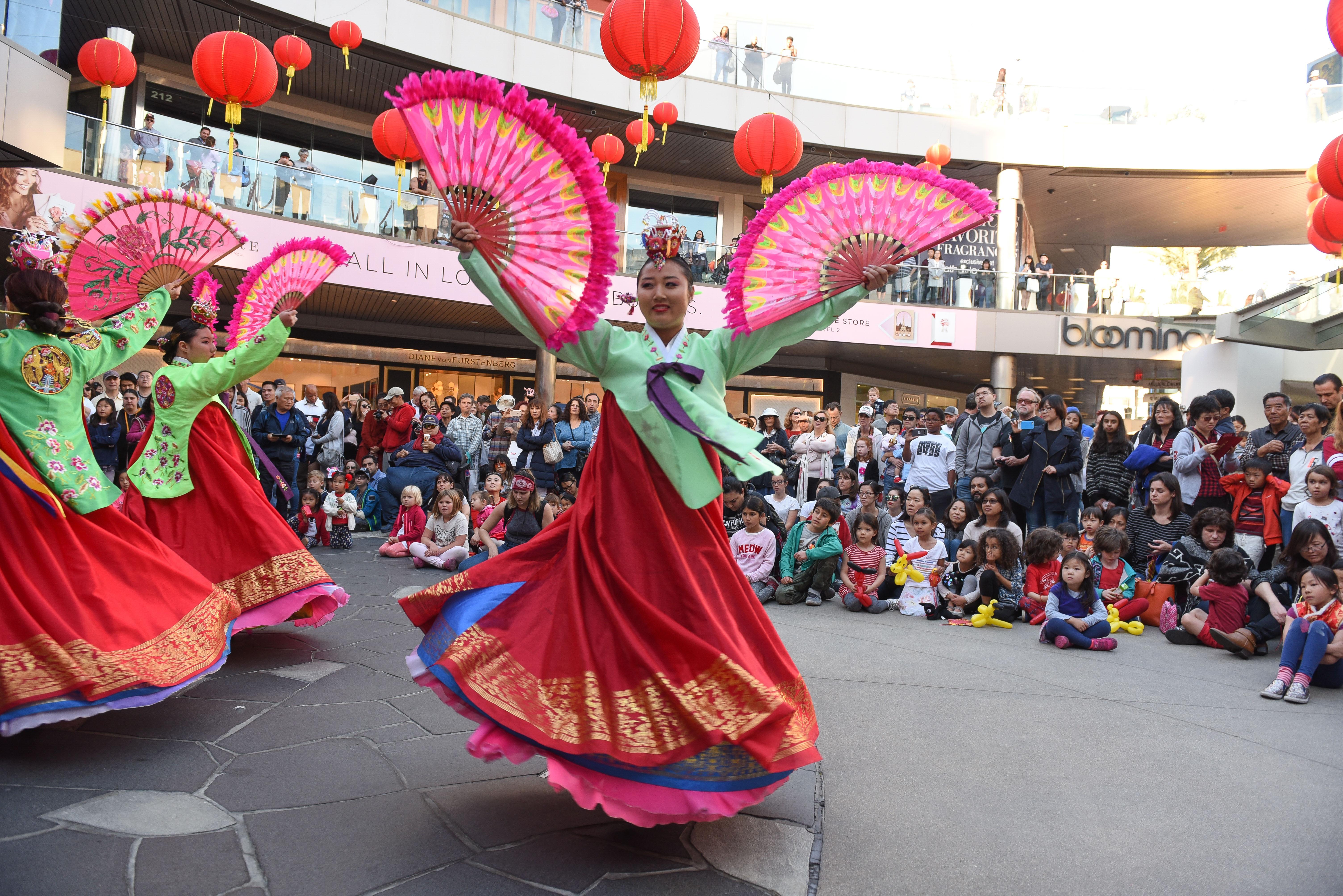 763dd9b97447 Santa Monica Place Lunar New Year Celebration