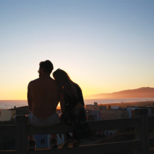 story-couple-sunset