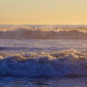 story-ocean-waves