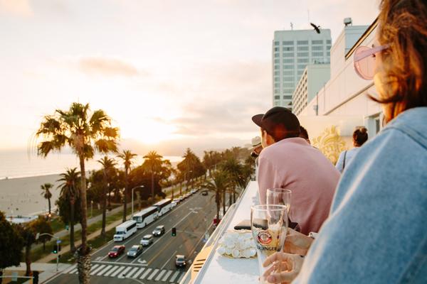 ONYX Rooftop Lounge at Hotel Shangri-La